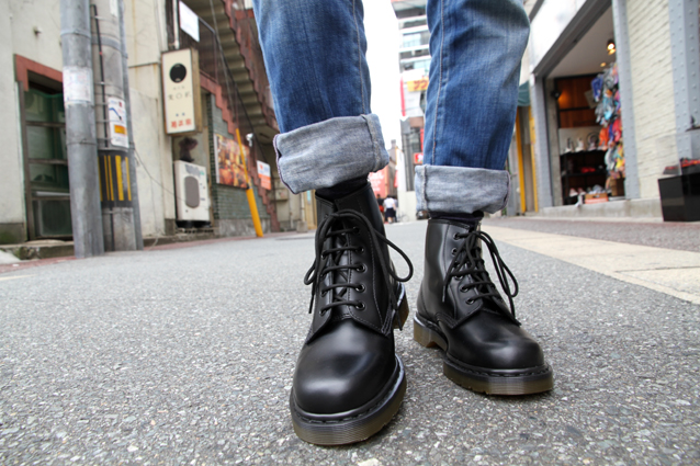 Drmartens core 101 6eye boot 10064001 black pictures