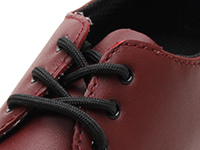 KIDS INFANTS LACE SHOE(15371601)CHERRY RED SOFTY Tのホール部分写真
