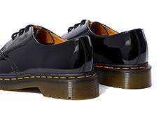 CORE 1461 3EYE SHOE(10084001)BLACK PATENT LAMPERの右斜め後ろ向き写真