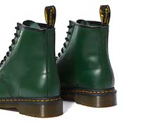ICONS 1460 8EYE BOOT(11822207)GREEN SMOOTHの右斜め後ろ向き写真
