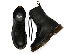 CORE 1490 10EYE BOOT(22524001)BLACK VIRGINIAの上からの写真