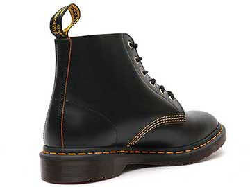 ARCHIVE 101 ARC 6EYE BOOT(22701001)BLACK VINTAGE SMOOTHの右斜め後ろ向き写真