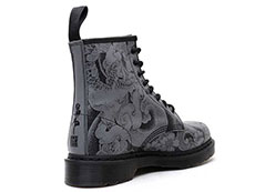 CORE PRINT 1460 OT ASIA 8EYE BOOT(24239001)BLACK+GUNMETAL OT TATTOO BACKHANDの右斜め後ろ向き写真