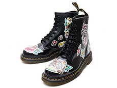 CORE PRINT 1460 CHRIS UK 8EYE BOOT(24243001)BLACK+MULTI CHRIS LAMBERT BACKHAND詳細ページへ