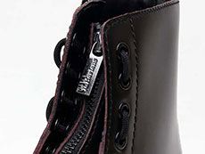 CORE PASCAL FRONT ZIP 8EYE BOOT(24330600)CHERRY RED ARCADIAのホール・ジップ部分写真