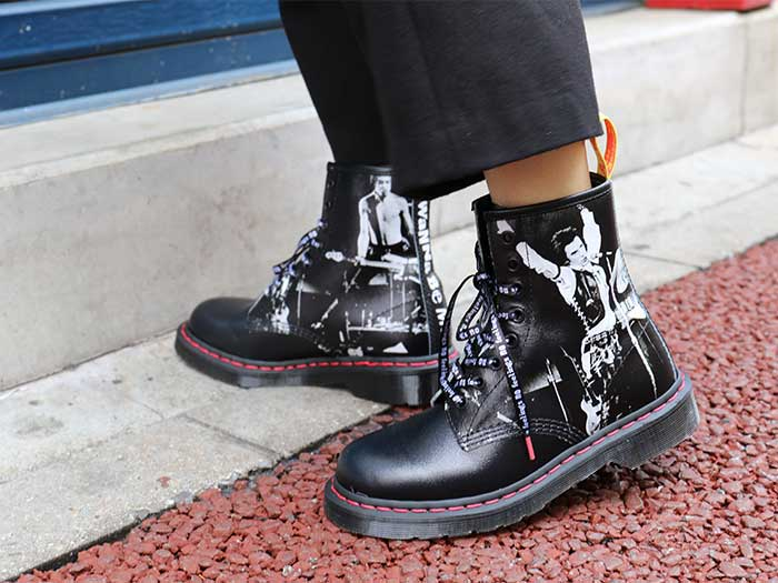 COLLAB 1460 SXP 8EYE BOOT(24789001)BLACK SEX PISTOLS BACKHAND STRAW GRAINのメインイメージ