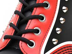 CORE APPLIQUE 1460 STUD 8EYE BOOT(25607001)BLACK+RED+WHITE HERO BACKHANDのホール部分写真