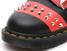 CORE APPLIQUE 1460 STUD 8EYE BOOT(25607001)BLACK+RED+WHITE HERO BACKHANDのトゥ部分写真