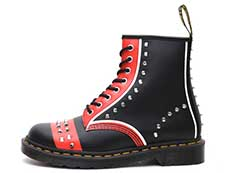 CORE APPLIQUE 1460 STUD 8EYE BOOT(25607001)BLACK+RED+WHITE HERO BACKHANDの左横向き写真