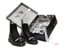 COLLABORATIONS 1460 SEX PISTOLS 8EYE BOOT(25927001)BLACK MILLED SMOOTHの商品とケース写真