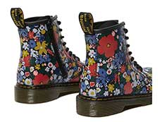 CORE PRINT KIDS 1460 WANDERFLORA J LACE BOOT YOUTH(26046001)BLACK HYDROの右斜め後ろ向き写真