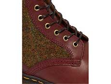 MIE FASHION 1460HS 8EYE BOOT(26073601)OXBLOOD LUSSO+COUNTRY CHECK HARRIS TWEEDのホール部分写真