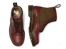 MIE FASHION 1460HS 8EYE BOOT(26073601)OXBLOOD LUSSO+COUNTRY CHECK HARRIS TWEEDの上からの写真