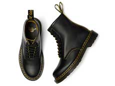 CORE 1460 DS 8EYE BOOT(26100032)BLACK/YELLOW SMOOTH SLICEの上からの写真