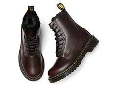 FUR LINED 1460 SERENA 8EYE BOOT(26238601)OXBLOOD ATLASの上からの写真