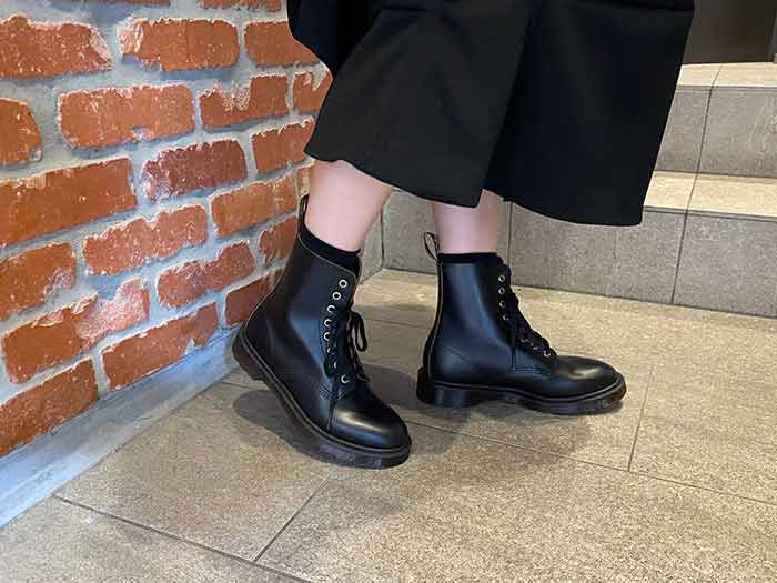 ARCHIVE 1460 PASCAL 8EYE BOOT(26297001)BLACK VINTAGE SMOOTHのメインイメージ
