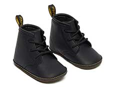 CORE KIDS 1460 CRIB LACE BOOTIE(26808001)BLACK MASON NW SYNTHETIC+MASON PU SPLITの右斜め前向き写真