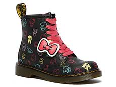SANRIO KIDS 1460 HELLO KITTY AND FRIENDS J 8EYE BOOT(26842001)BLACK+MULTI HK&F HYDRO LEATHER 詳細ページへ